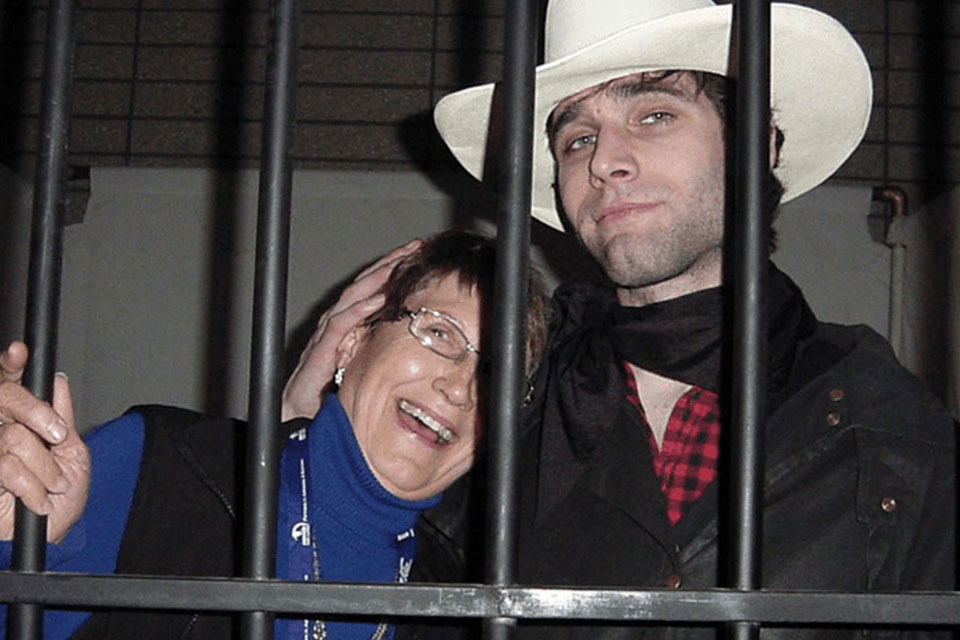 "Wild West jail cell - ""Mitch Cassidy"" Comforts a New Inmate"